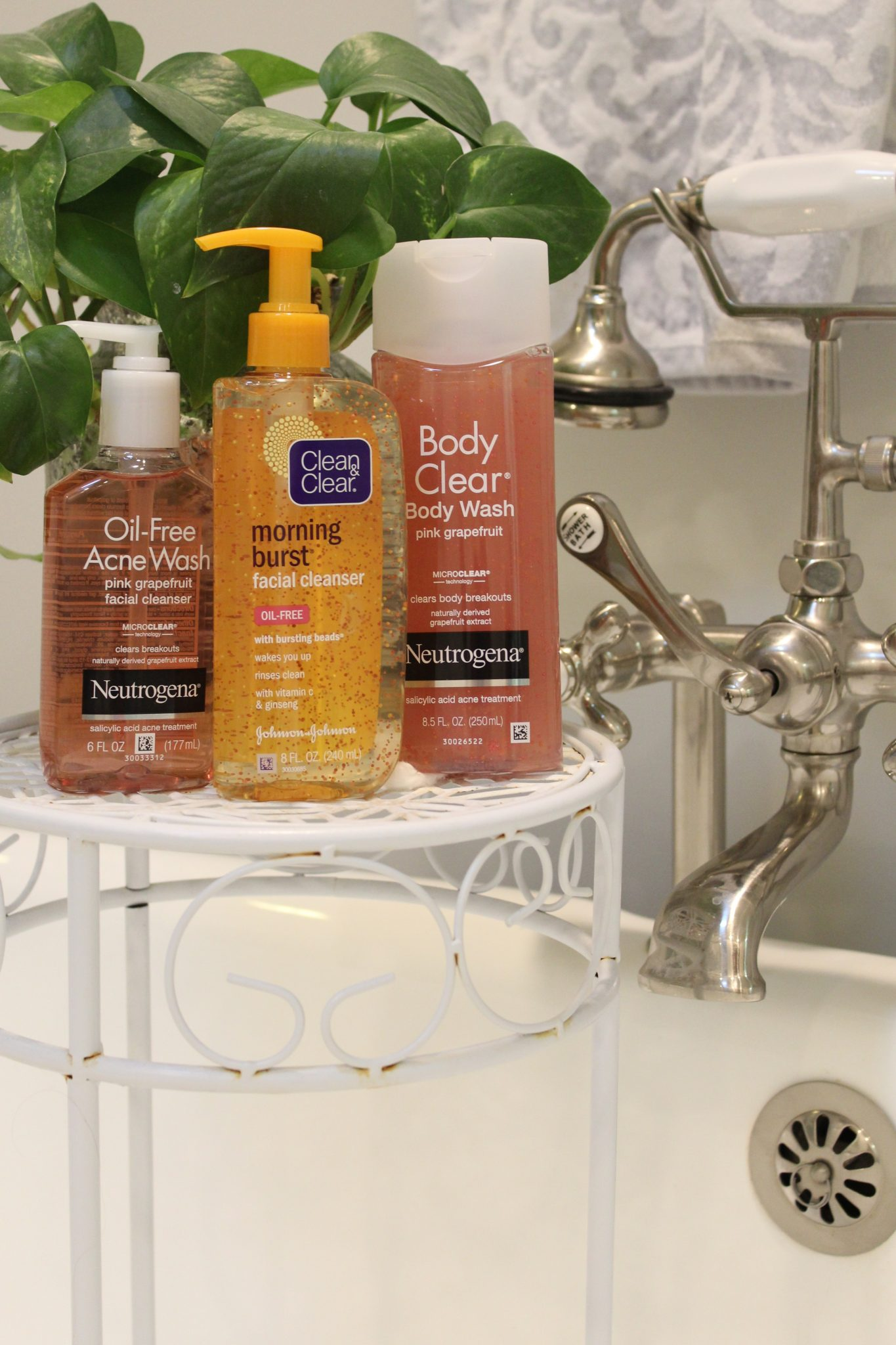 Back to College with NEUTROGENA® and CLEAN & CLEAR® - Midwest Charm with Anna